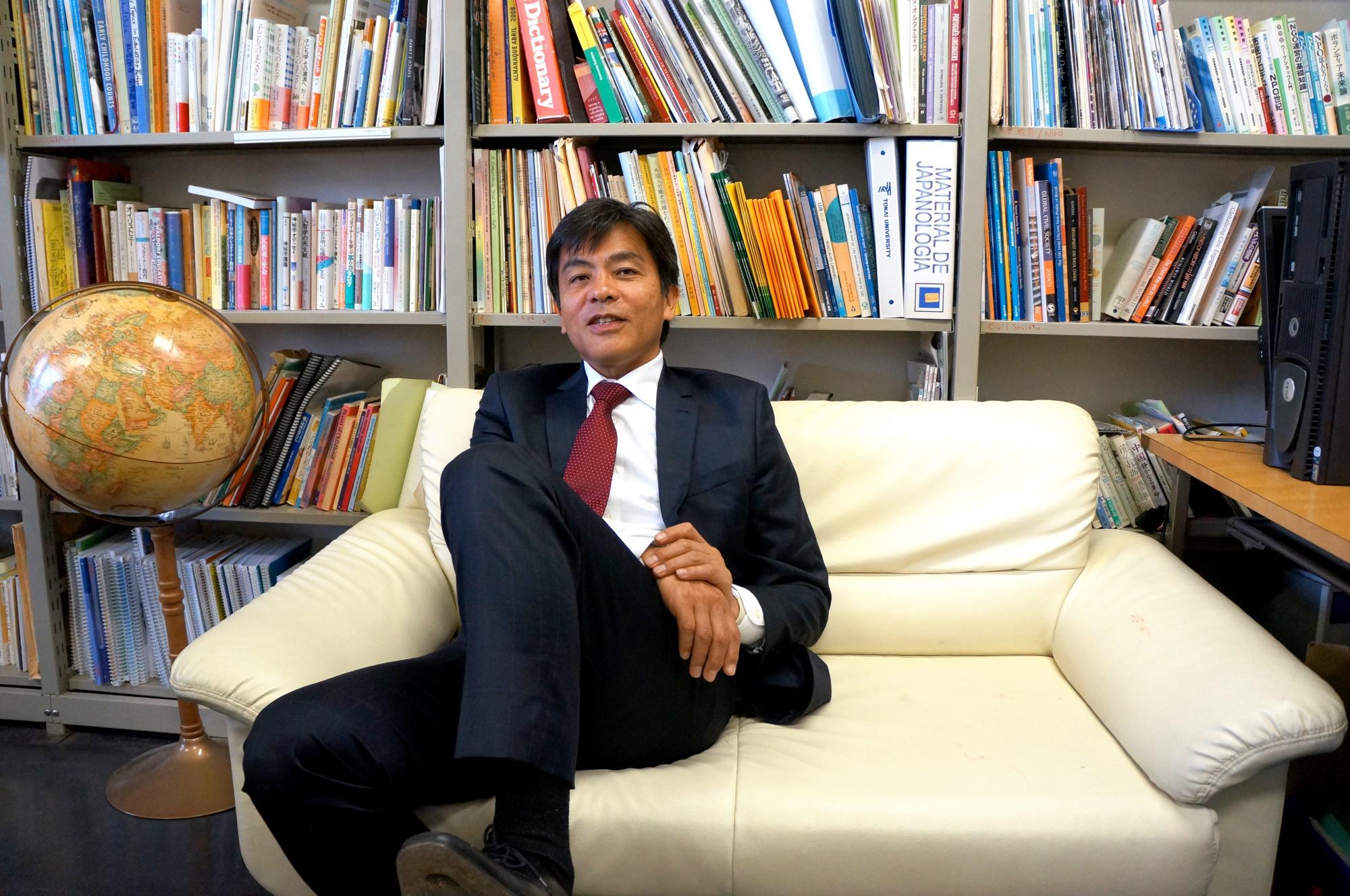 El profesor Daisuke Onuki. Universidad de Tokai