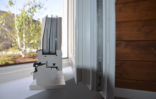 Triple acristalamiento para aislamiento de casa pasiva